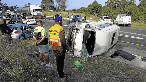 the ways to reduce road accident Want to keep your car insurance premium low here are the top 5 ways on how  to avoid a car accident and keep your car insurance premiums.